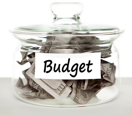 Four Ways To Help You Manage Your Budget
