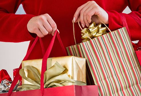 five great ways to save money on your holiday shopping