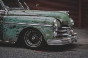 4 Ways to Properly Dispose of an Older Car You Don't Use Anymore