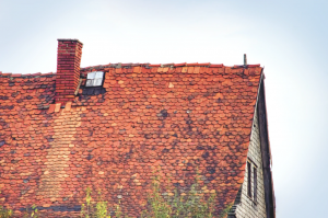 4 Tips for Working With Your Contractor After Your Roof Has Been Damaged