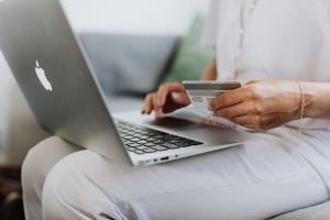 How to Give Your Customers a Better Shopping Experience When You Move Your Store Online